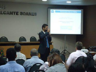 """Palestra """"Oratória: Técnicas para Falar em Público"""""""